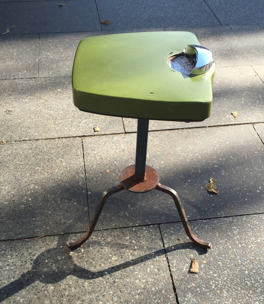 71.stool